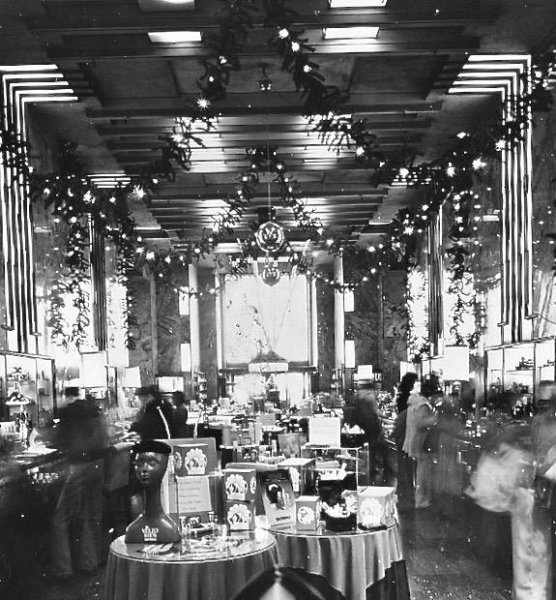BW Central Hall at Christmas