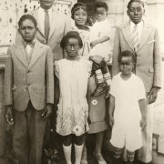 A childhood photo of Tom Bradley and his family